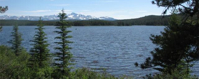 Teztan Biny (Fish Lake). Source: www.canadians.org